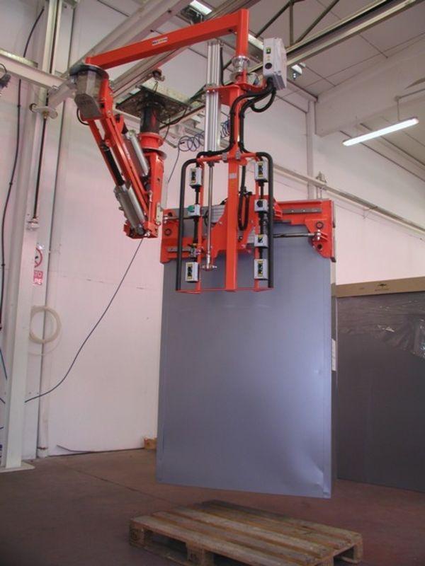 Manipolatore ATIS a pinza pneumatica per armadi metallo 02