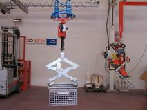 Manipulator ATISacer 150 with mechanical clamp for metal containers