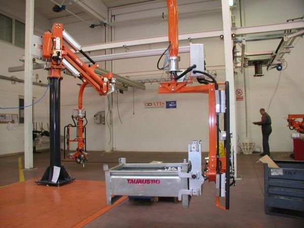 Manipulator ATISmirus 300 clamp tool for metal containers