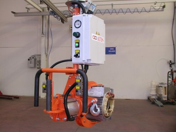Manipulator ATISmirus 80 with clamp tool for stators 05