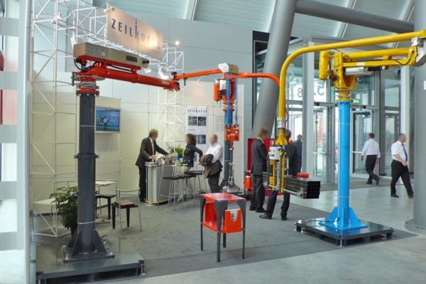 Stuttgart exhibition 2007 - Pneumatic Manipulator ATIS