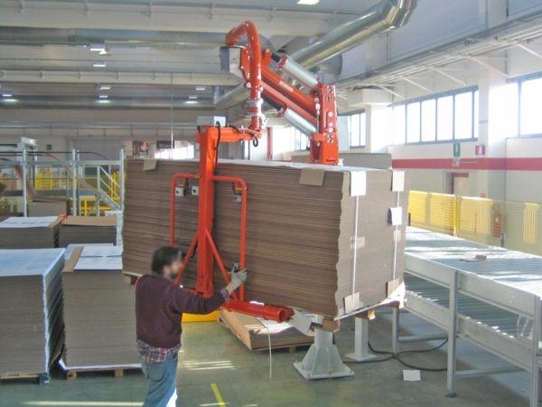 Imballaggi pacchi cartone - Manipolatore pneumatico ATIS