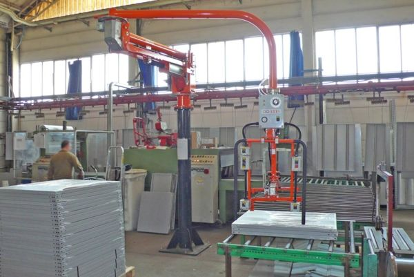 Steel shelves packaging  - Pneumatic Manipulator ATIS