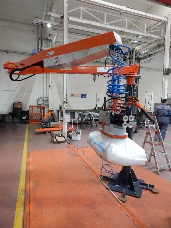Ventosa per sacchi polietilene con funzionamento brevettato ad aria compressa