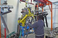 Fork unload from painting carousel - Pneumatic Manipulator ATIS