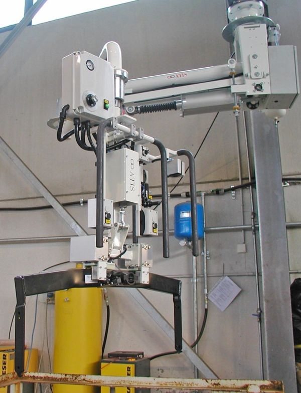 ATISmirus 100 - traviesa gancho remolque - Manipulador neumático ATIS
